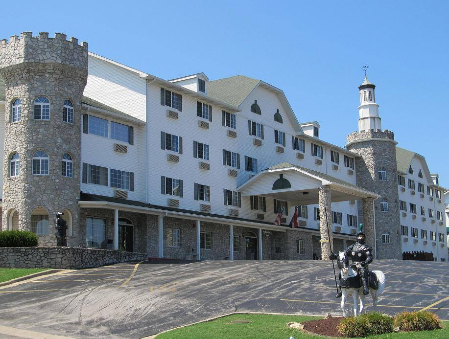 Stone Castle Hotel & Conference Center Branson, MO - A Budget Friendly Beauty