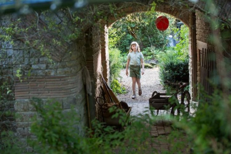 Bronte Carmichael Balloon e1533834691658 - Exclusive Interview with Bronte Carmichael as Madeline in Disney's Christopher Robin