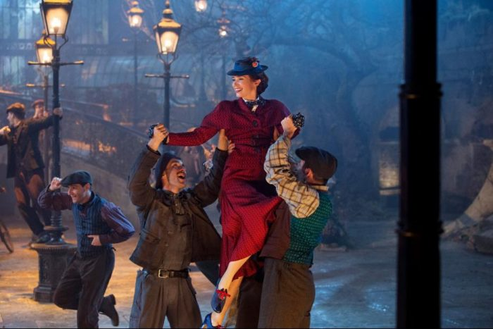 MaryPoppinsReturns5b847fc1af2b2 e1540333460644 - Disney's Mary Poppins Returns New Special Look