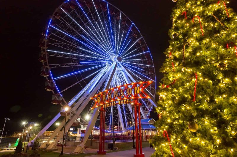 ferriswheelbranson5 e1544744725792 - Branson Attractions at Christmas Time