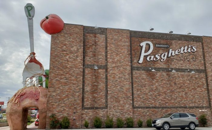 pasghettis restaurant Branson e1547138422718 - Branson's Pasghetti's Affordable Family Dining - World's Largest Fork and Meatball